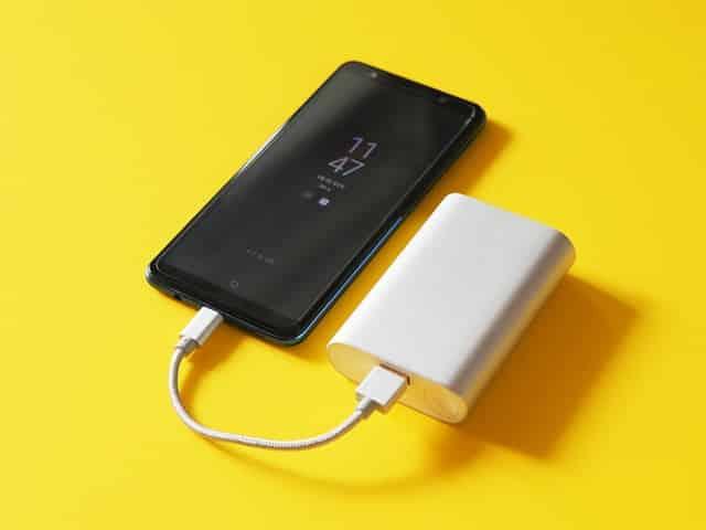 заряд батареї на телефоні